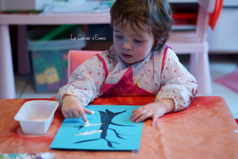 peinture sur le thème de l'hiver, activité manuelle