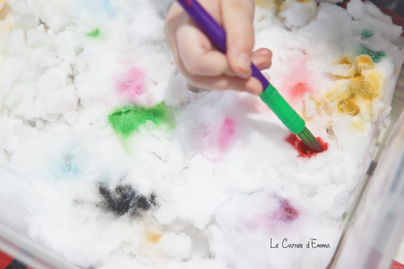 Activité manuelle, enfant, peinture, peindre de la neige