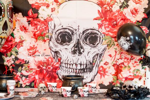 Décoration de table pour Halloween avec Jour de Fête. Thème Crâne et Fleurs Décoration fête des morts mexicaine Dia de los muertos
